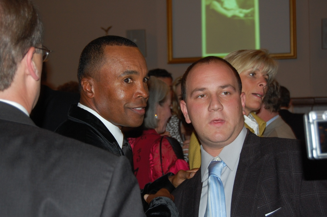 When Sugar Ray Leonard enters a room, it doesn't take long for him to get recognized.